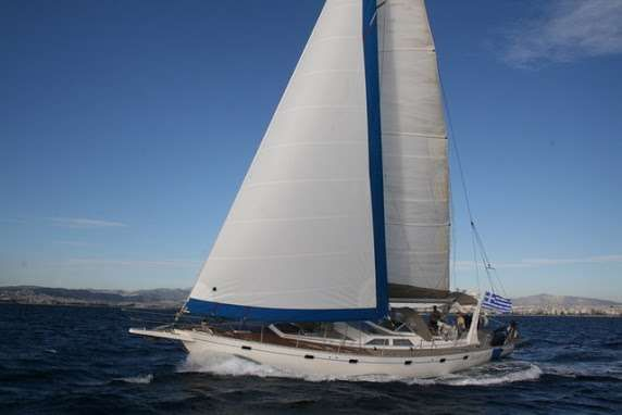 SUMMER LOVE Yacht Charter - Ritzy Charters
