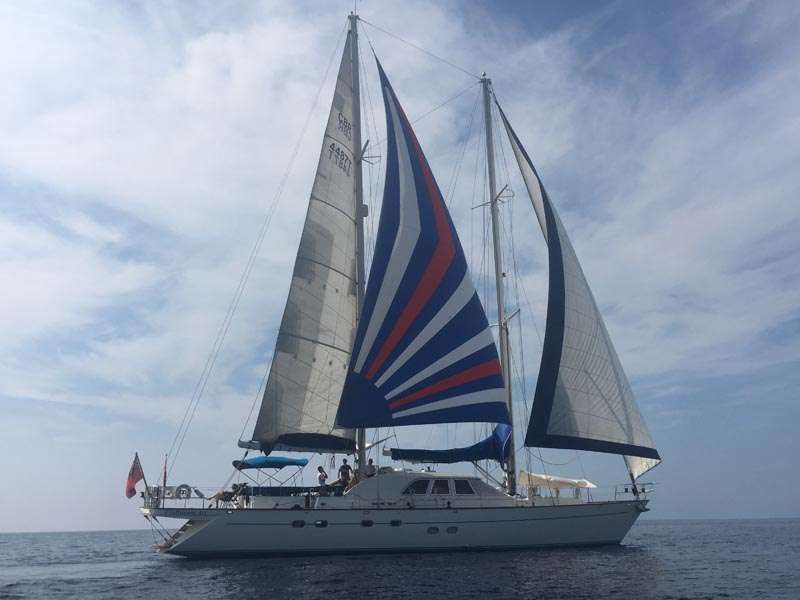 Craftsmans Art Yacht Charter - Ritzy Charters