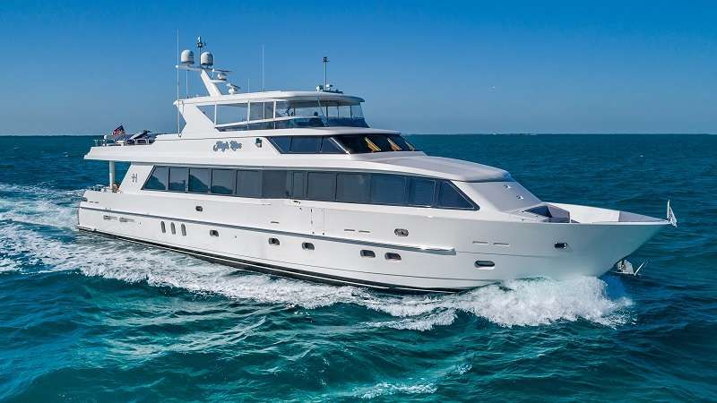 HIGH RISE Yacht Charter - Ritzy Charters
