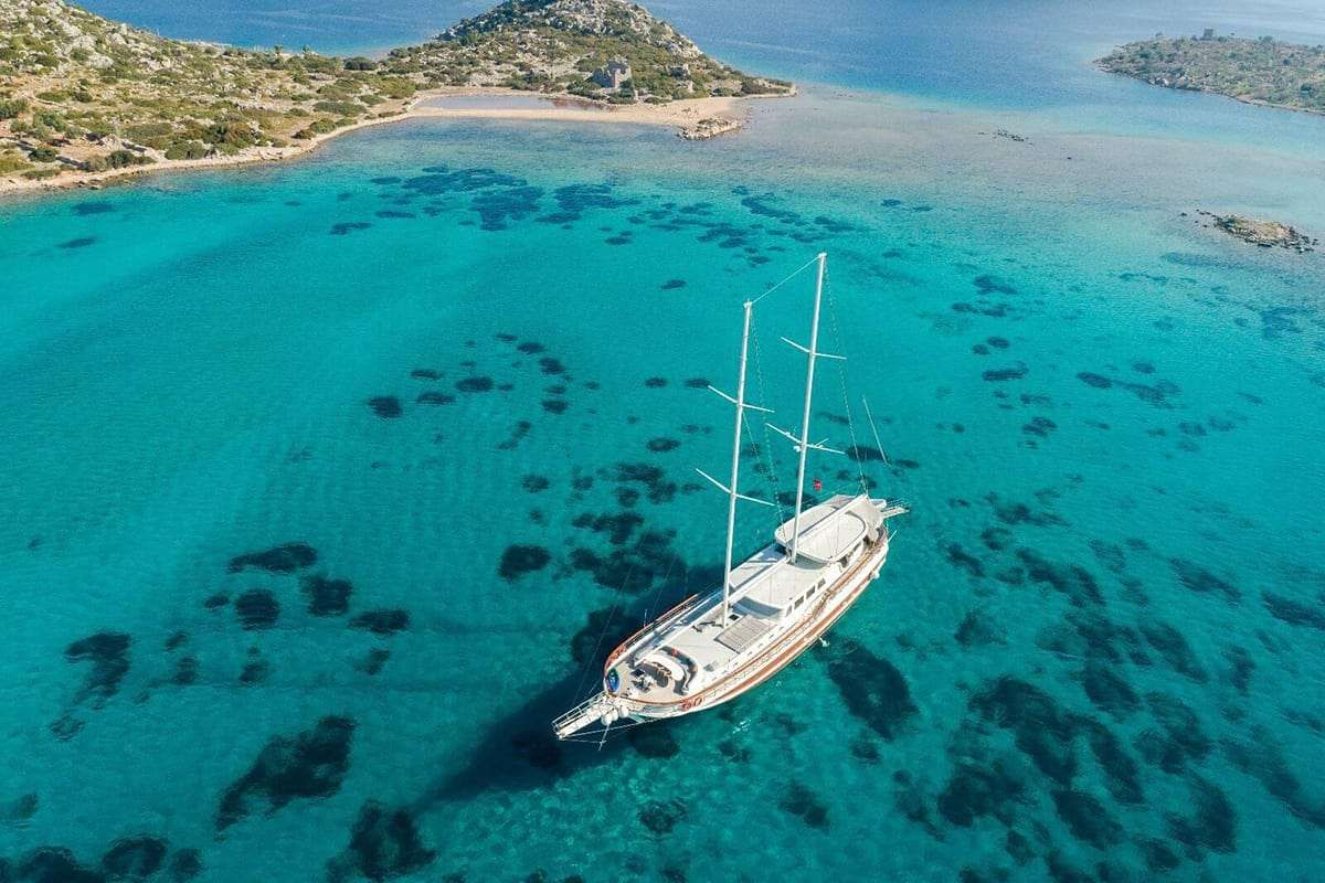 VISTA MARE Yacht Charter - Ritzy Charters