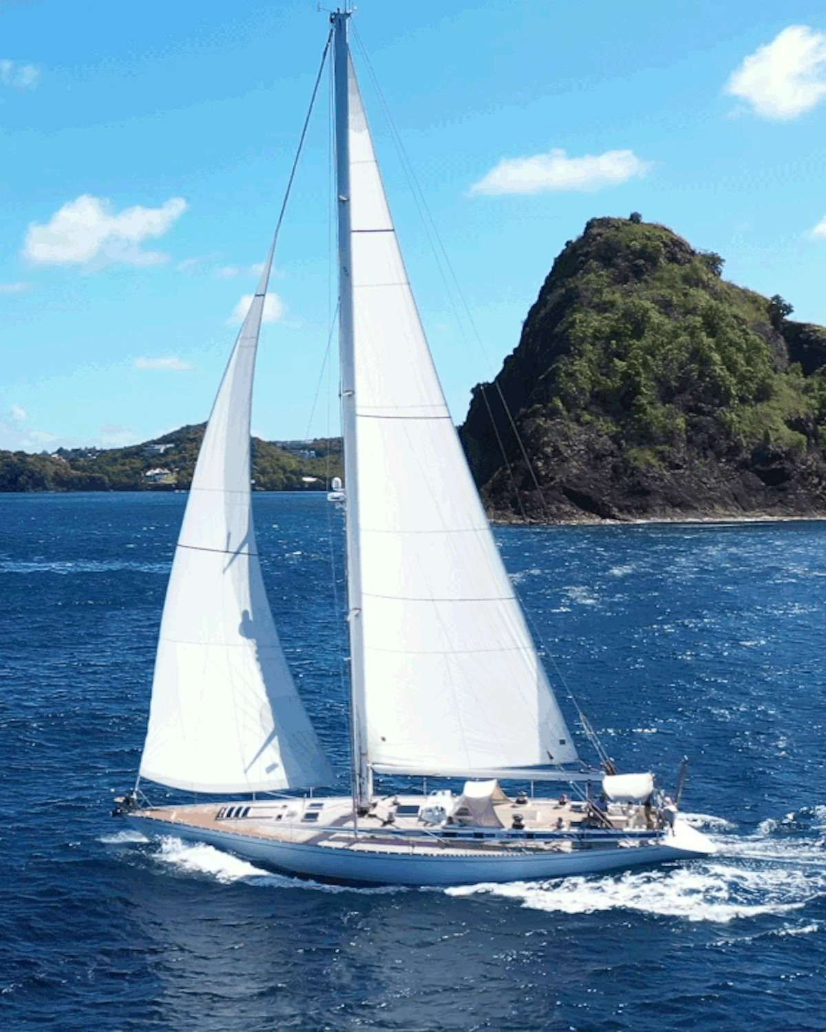Aurora Yacht Charter - Ritzy Charters
