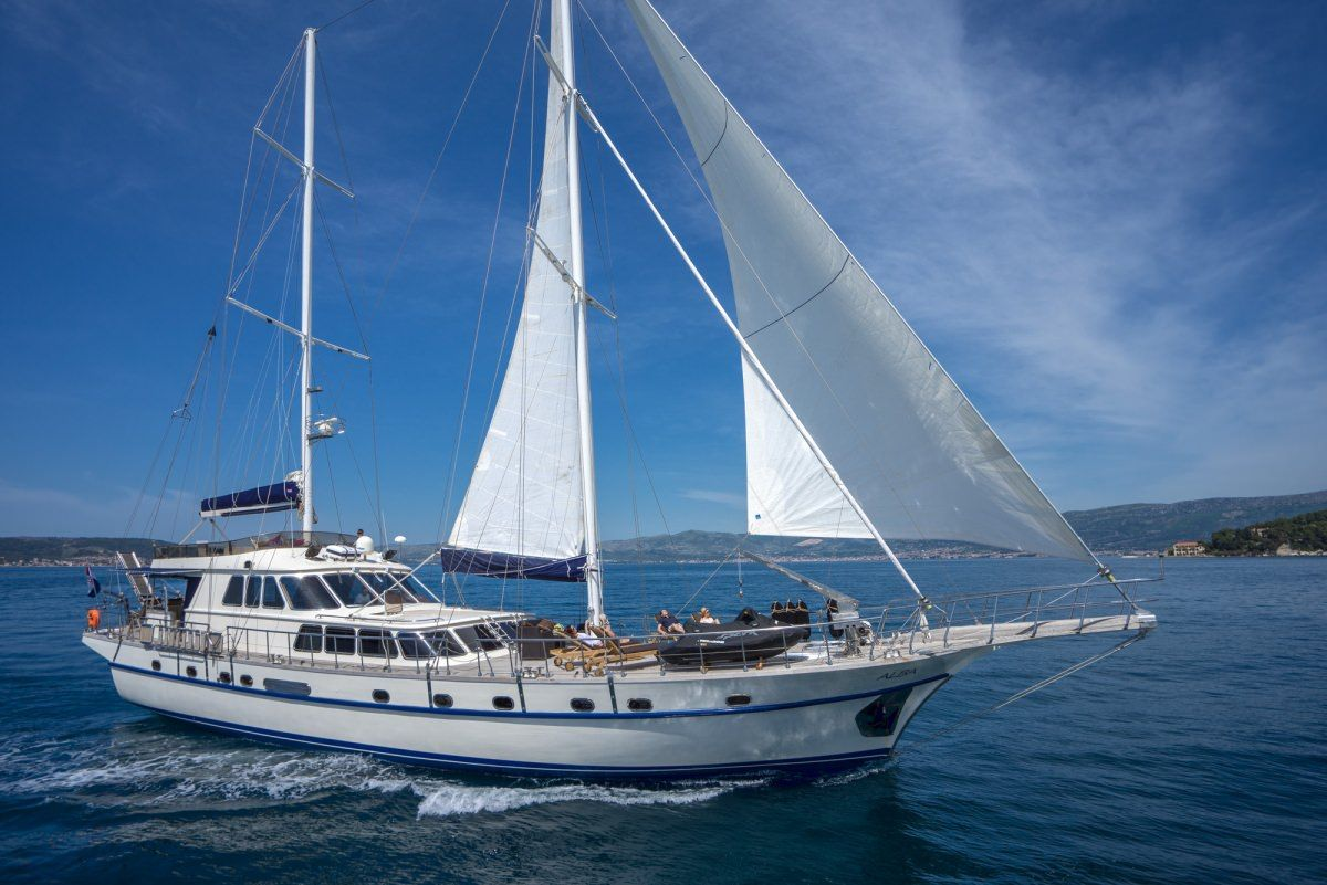 ALBA Yacht Charter - Ritzy Charters