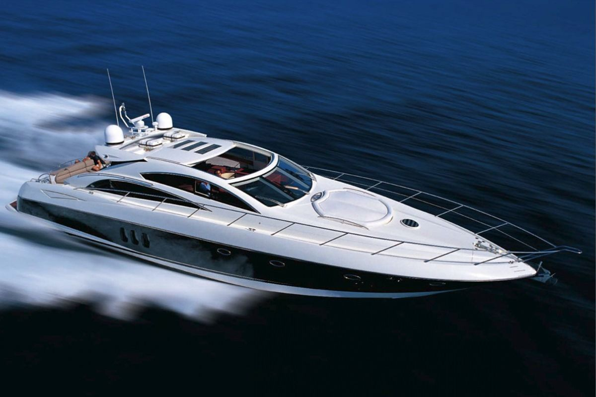 ASPIRE OF LONDON Yacht Charter - Ritzy Charters
