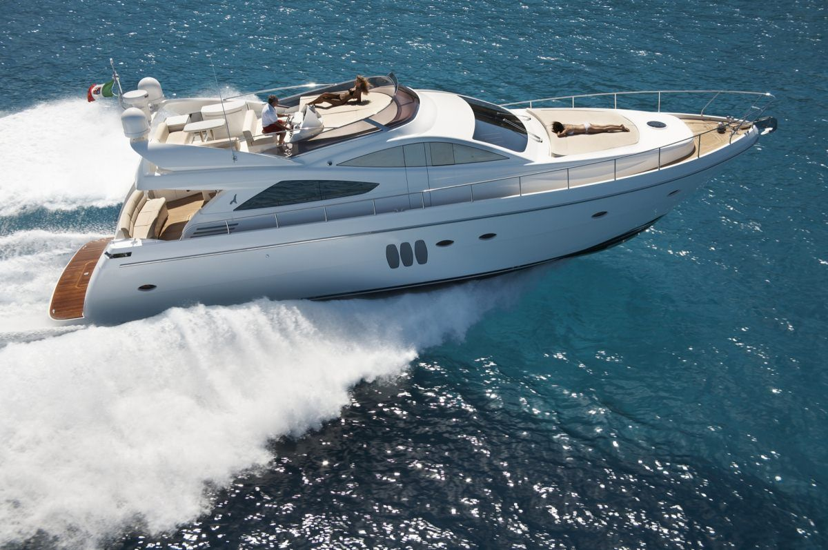 SUSY Yacht Charter - Ritzy Charters