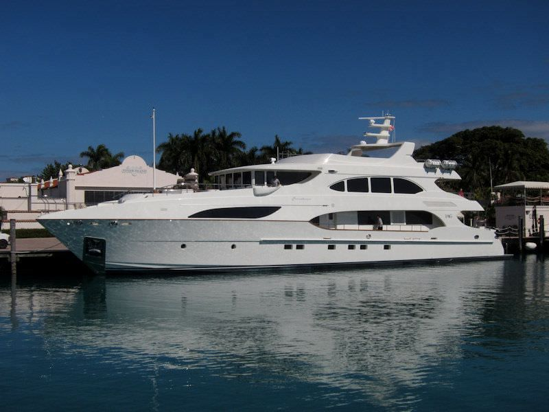 NO BADA BEES Yacht Charter - Ritzy Charters