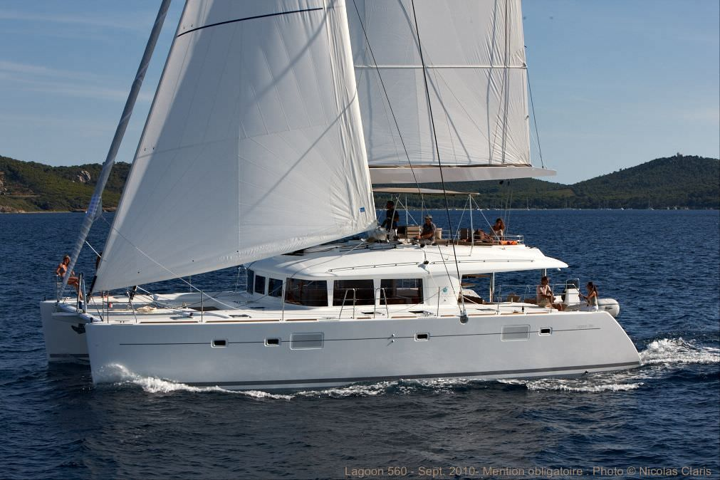 O CAT Yacht Charter - Ritzy Charters