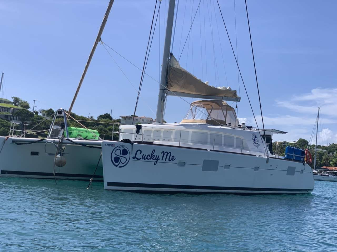 LUCKY ME Yacht Charter - Ritzy Charters
