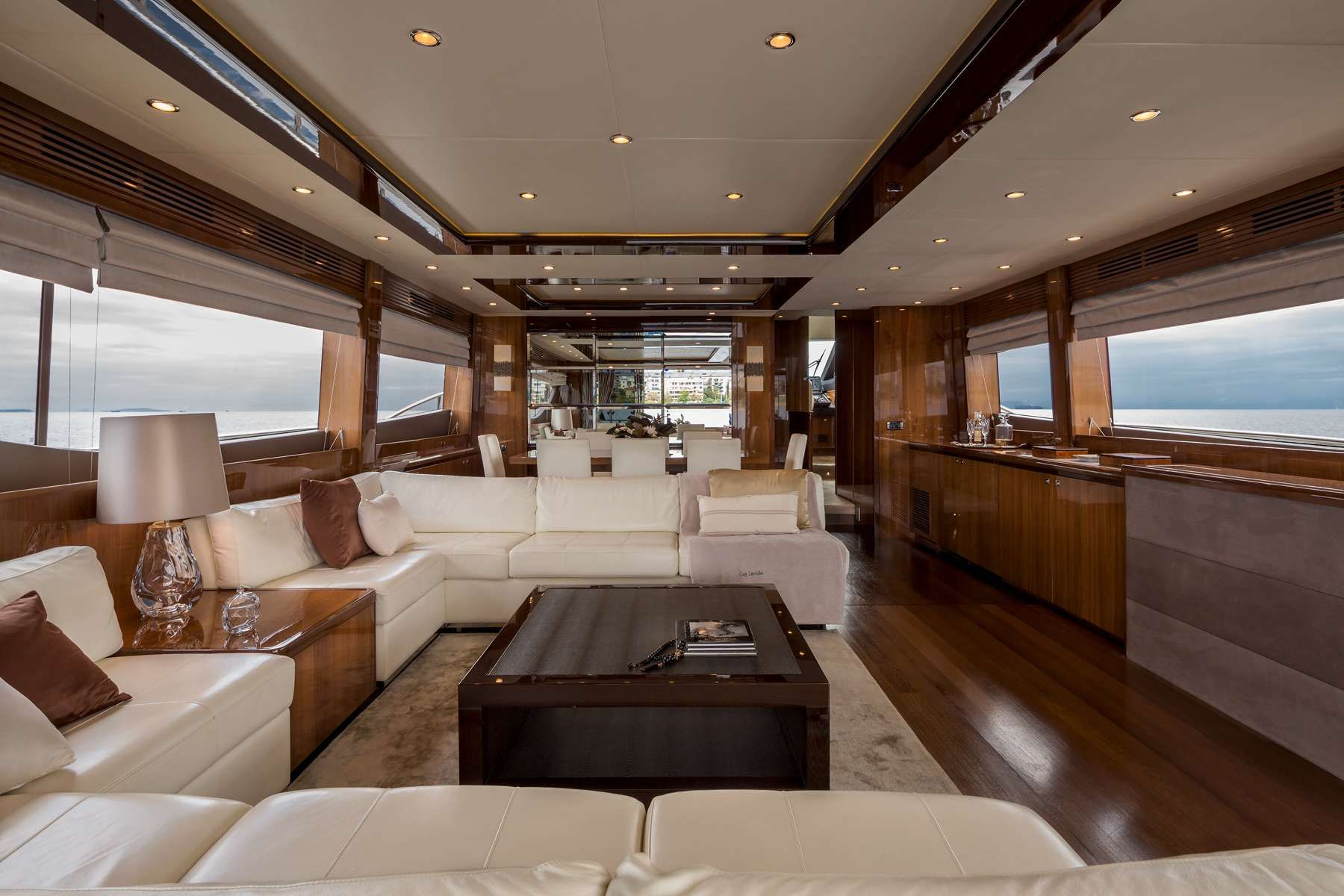 4LIFE Yacht Charter - Ritzy Charters