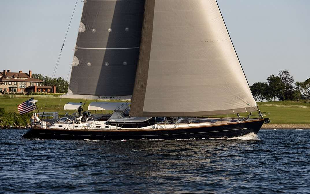 RAVEN CLAW Yacht Charter - Ritzy Charters