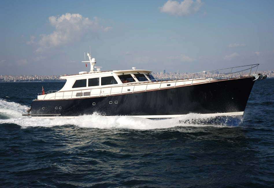ESSENCE OF CAYMAN Yacht Charter - Ritzy Charters