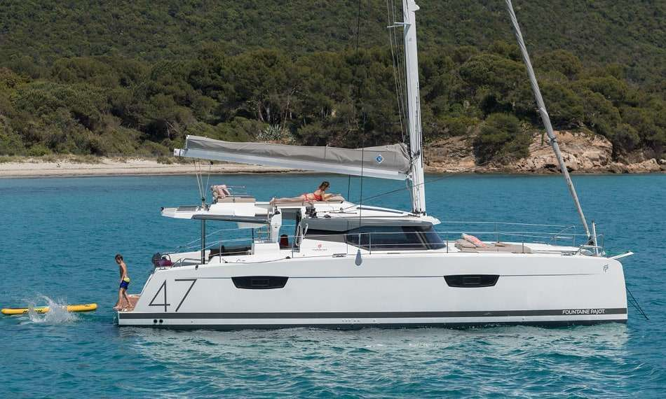 WHITE CORAL Yacht Charter - Ritzy Charters