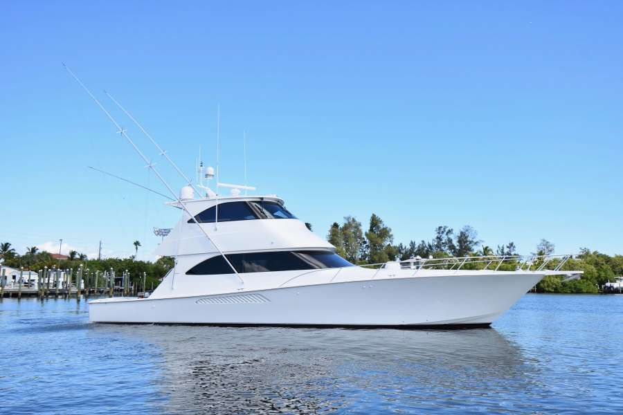 Too Many Martinis Yacht Charter - Ritzy Charters