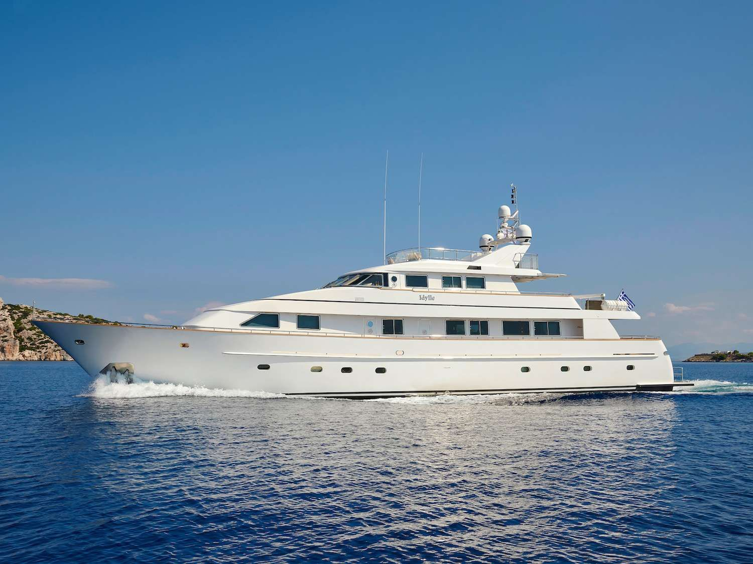 IDYLLE Yacht Charter - Ritzy Charters