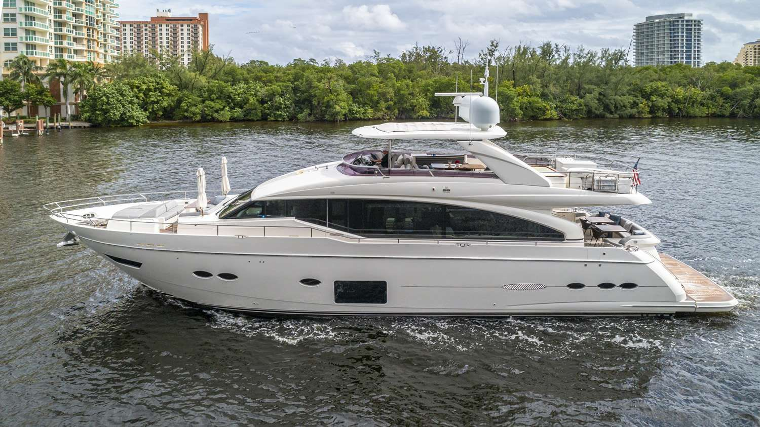 PRONTO Yacht Charter - Ritzy Charters