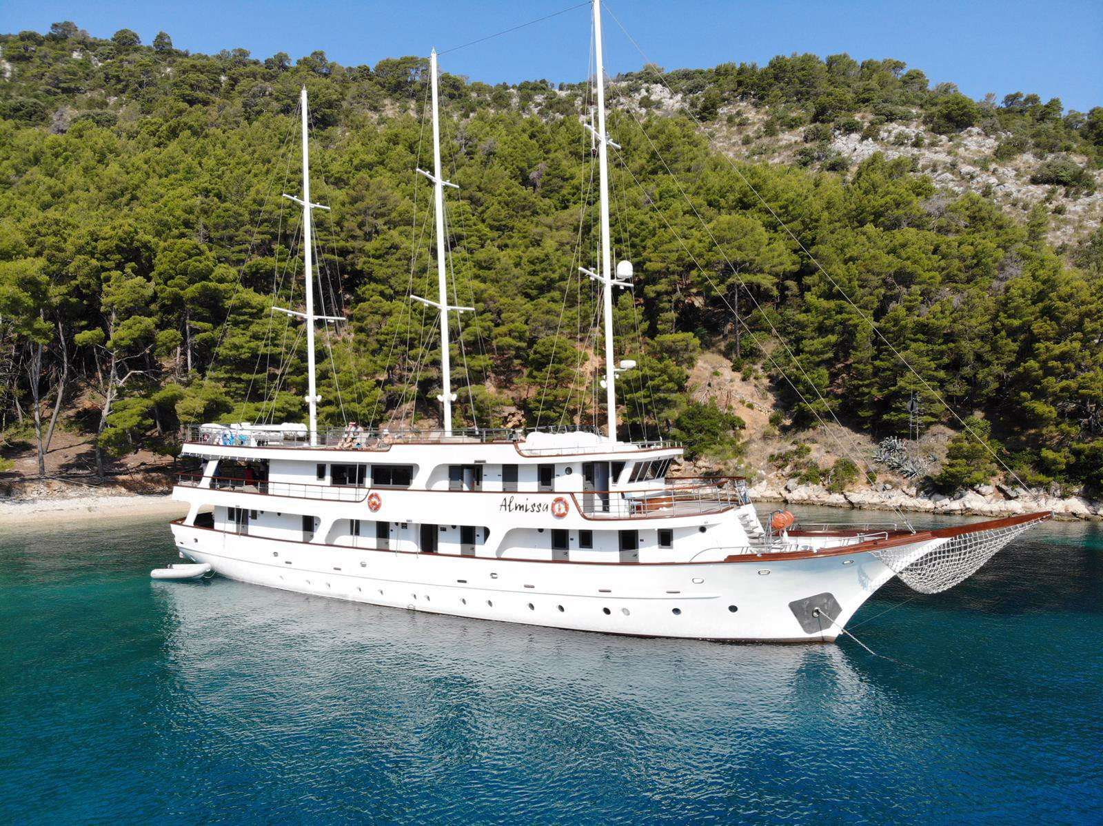 Almissa Yacht Charter - Ritzy Charters