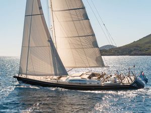 Yacht Charter GRAND BLEU VINTAGE | Ritzy Charters
