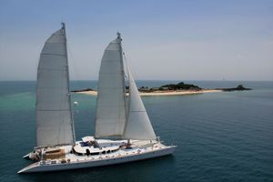 Yacht Charter DOUCE FRANCE | Ritzy Charters