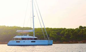 Yacht Charter A3 | Ritzy Charters