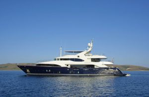 Yacht Charter GRANDE AMORE | Ritzy Charters