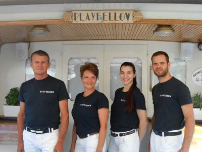 Yacht Charter Play Fellow Crew