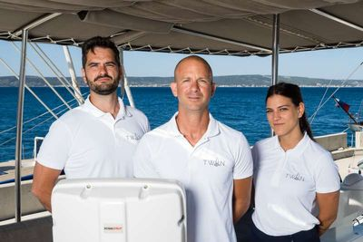 Yacht Charter TWIN Crew