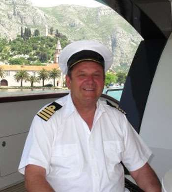 Yacht Charter NAVILUX Crew
