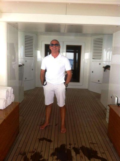 Yacht Charter CINQUE Crew