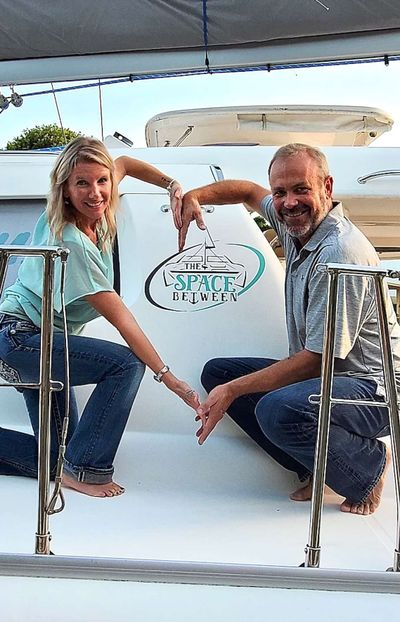 Yacht Charter THE SPACE BETWEEN Crew