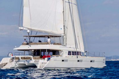 Yacht Charter MOOSE OF POOLE | Ritzy Charters