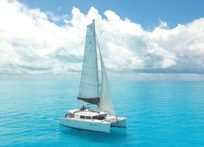 Yacht Charter Madrigal V   Ritzy Charters