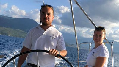Yacht Charter Oyster 825 Crew