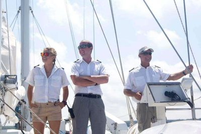 Yacht Charter FLOATATION THERAPY Crew