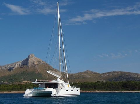 Yacht Charter MAGEC   Ritzy Charters