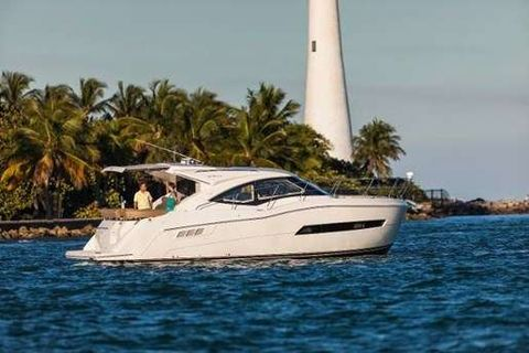 Yacht Charter CLEARADISE | Ritzy Charters