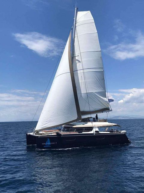 Yacht Charter NEW HORIZONS 2 | Ritzy Charters