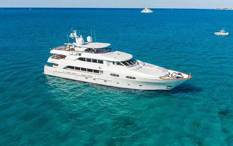 Yacht Charter TCB | Ritzy Charters