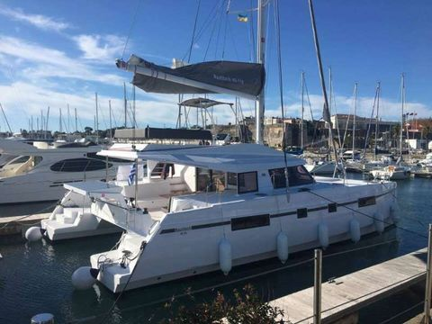 Yacht Charter Sithonia | Ritzy Charters