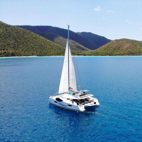 Yacht Charter CHAMPS ELYSEES | Ritzy Charters