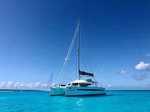 Yacht Charter Ad Astra | Ritzy Charters