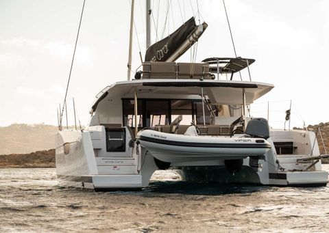 Yacht Charter WHITE CORAL | Ritzy Charters