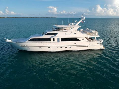 Yacht Charter STERLING V | Ritzy Charters