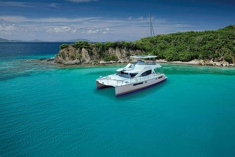 Yacht Charter SOMEWHERE HOT | Ritzy Charters