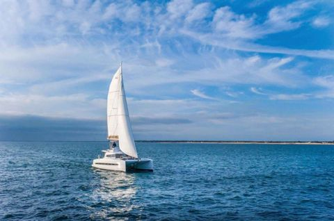 Yacht Charter Sunshine Baby | Ritzy Charters