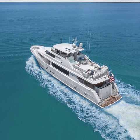 Yacht Charter Natural 9 | Ritzy Charters