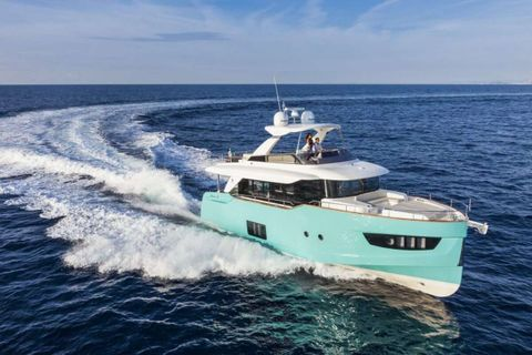 Yacht Charter MAYBE5   Ritzy Charters