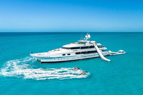 Yacht Charter MI AMORE | Ritzy Charters