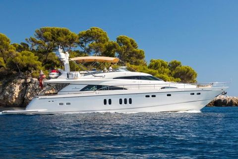 Yacht Charter D5 | Ritzy Charters