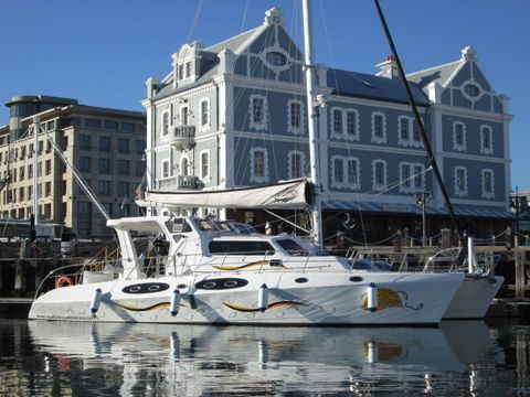 Yacht Charter MANNA | Ritzy Charters