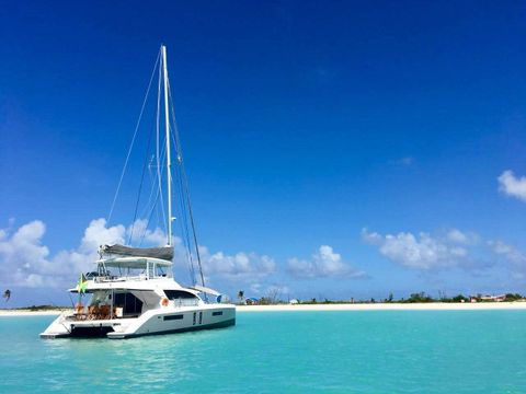 Yacht Charter THE ANNEX | Ritzy Charters