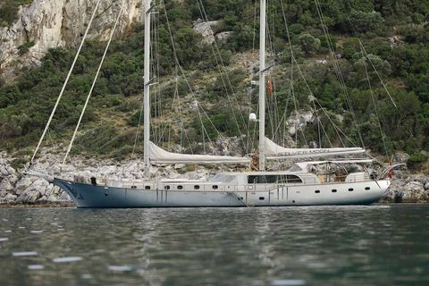 Yacht Charter SILVERMOON   Ritzy Charters